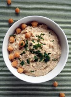 Nutrition On The Move: Fast Snacking Hummus