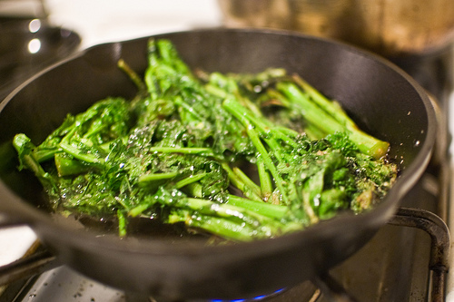 Nutrition On The Move: Germ Fighting Greens