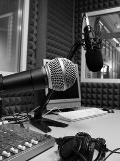 A microphone at radio station by Allessandro Bonvini
