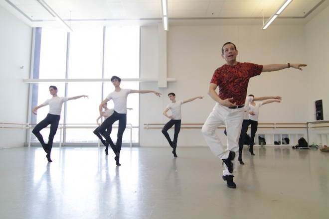 Claudio Munoz teaches Houston Ballet Summer Intensive students